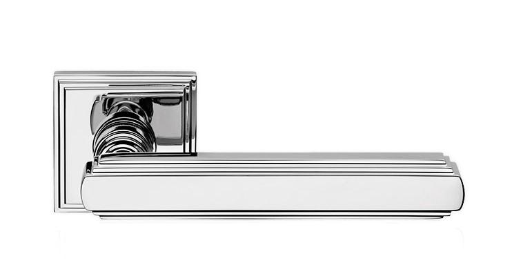 "Дверная ручка на квадратной розетке ""GLAMOR"" CR 1555/016"