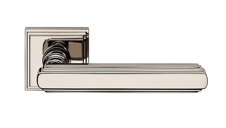 "Дверная ручка на квадратной розетке ""GLAMOR"" NL 1555/016"